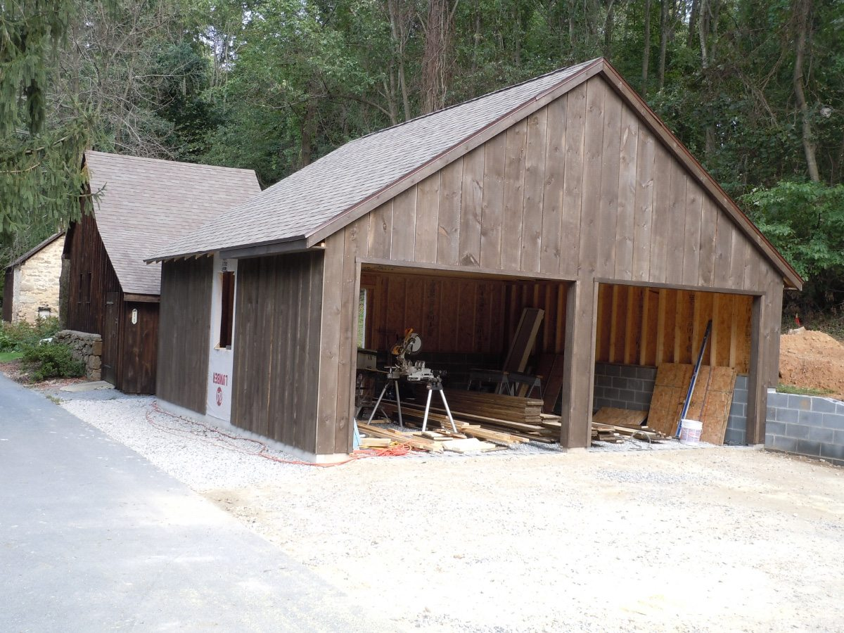 Detached garage built by Eagle Construction & Remodeling